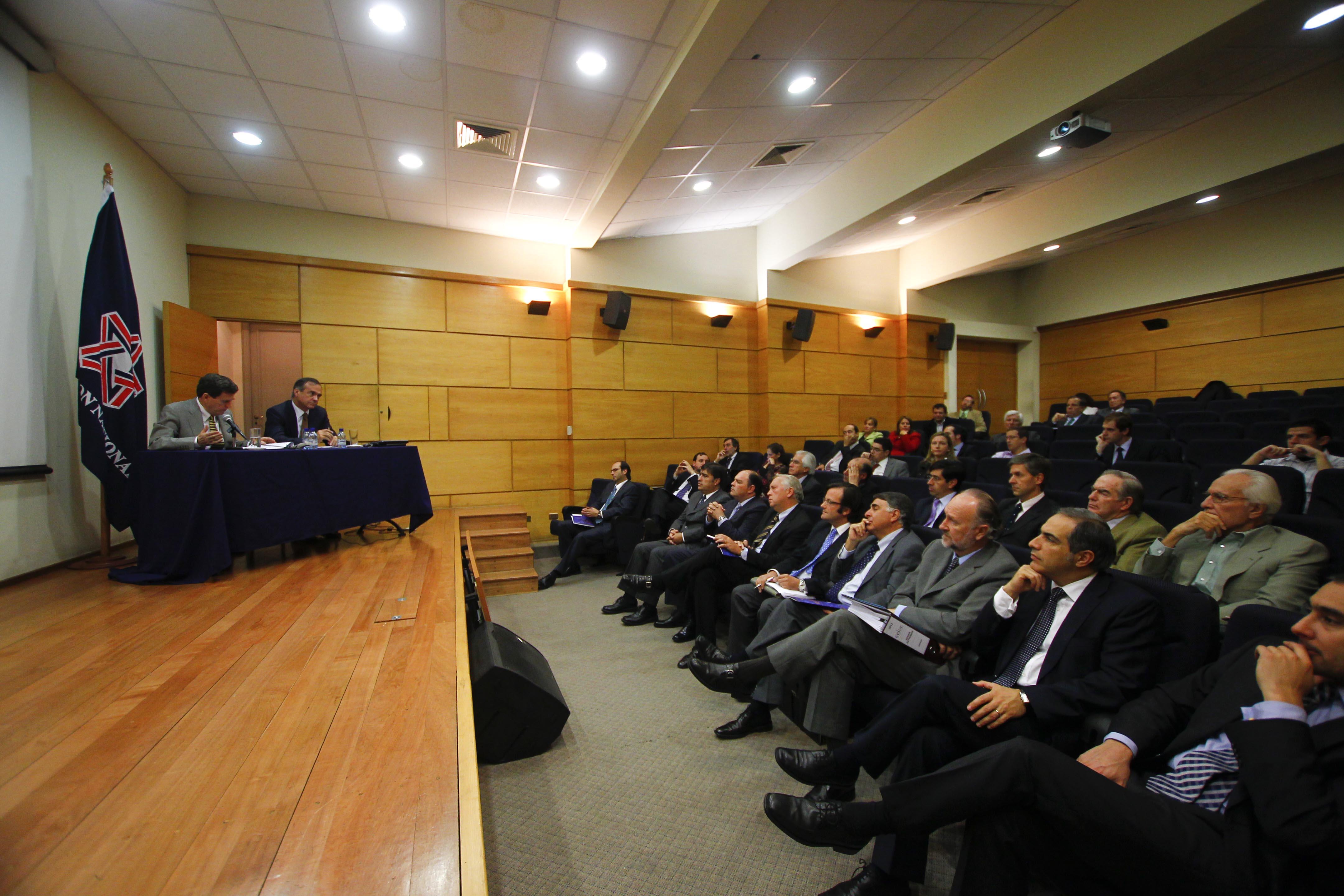 Comienza acuerdo suscrito por la Democracia Cristiana y Renovación Nacional