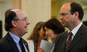 Cristián Larroulet, titular de la Segpres, y Alejandro Ferreiro, presidente del CPLT