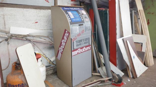 Vecino de hualp n lo explica todo el cajero de la foto for Como cobrar en un cajero automatico