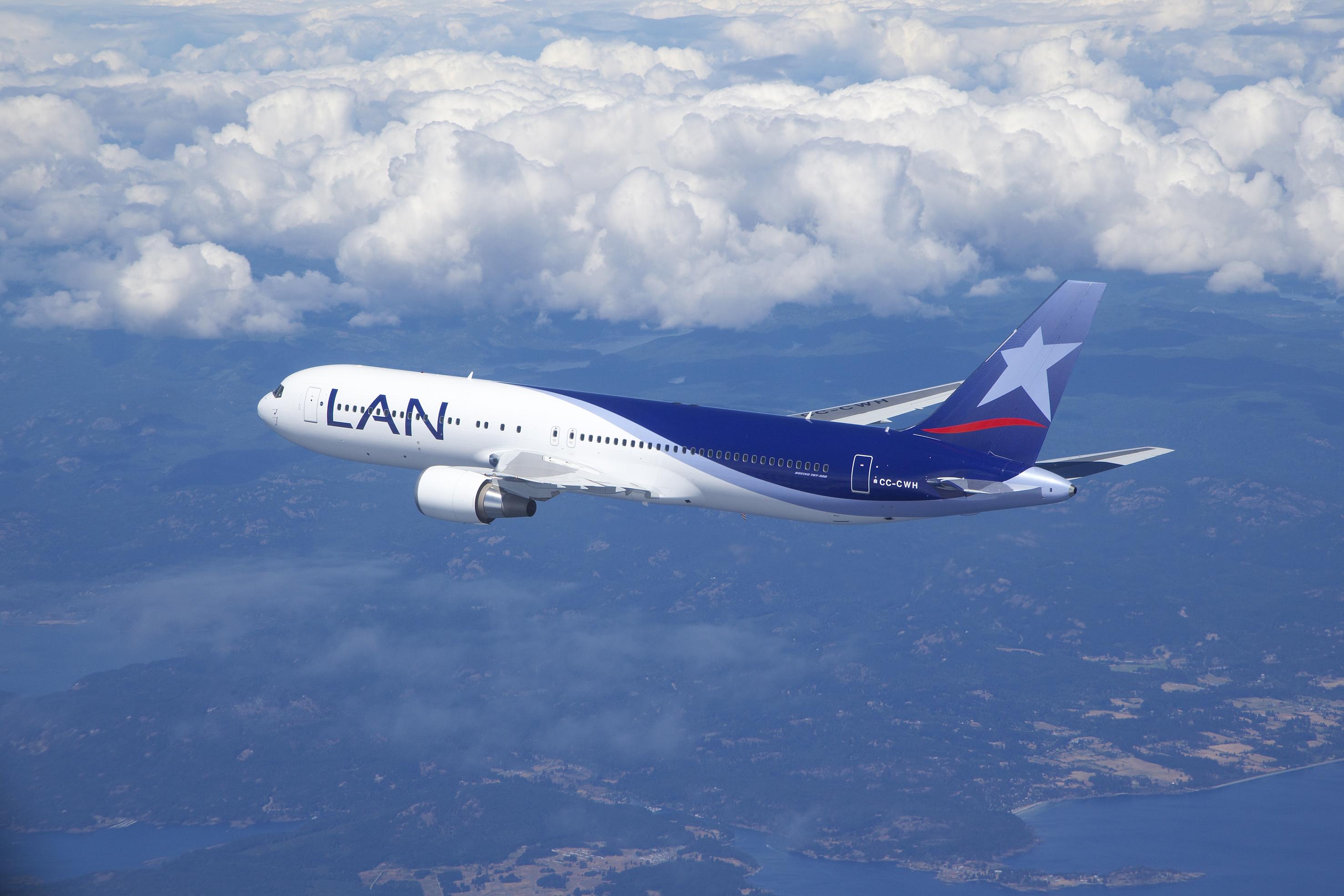 LanChile 767-300