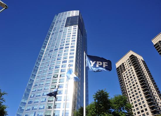 Petrolera Repsol aprueba principio de acuerdo con Argentina por nacionalización de YPF