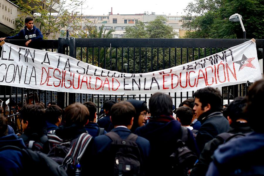 Experto cuestiona hipótesis de que movilizaciones afectaron el rendimiento PSU de liceos emblemáticos