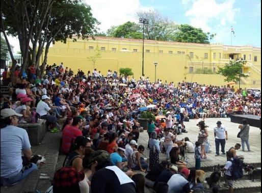 /Twitter-@hoycanal9
