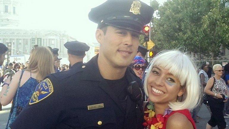 [Fotos] El policía sexy con el que todas las mujeres quieren una selfie