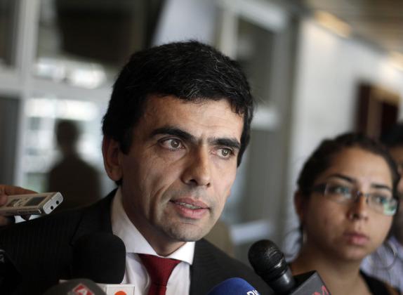 Fiscal Carlos Gajardo presenta acusacion en caso CNA
