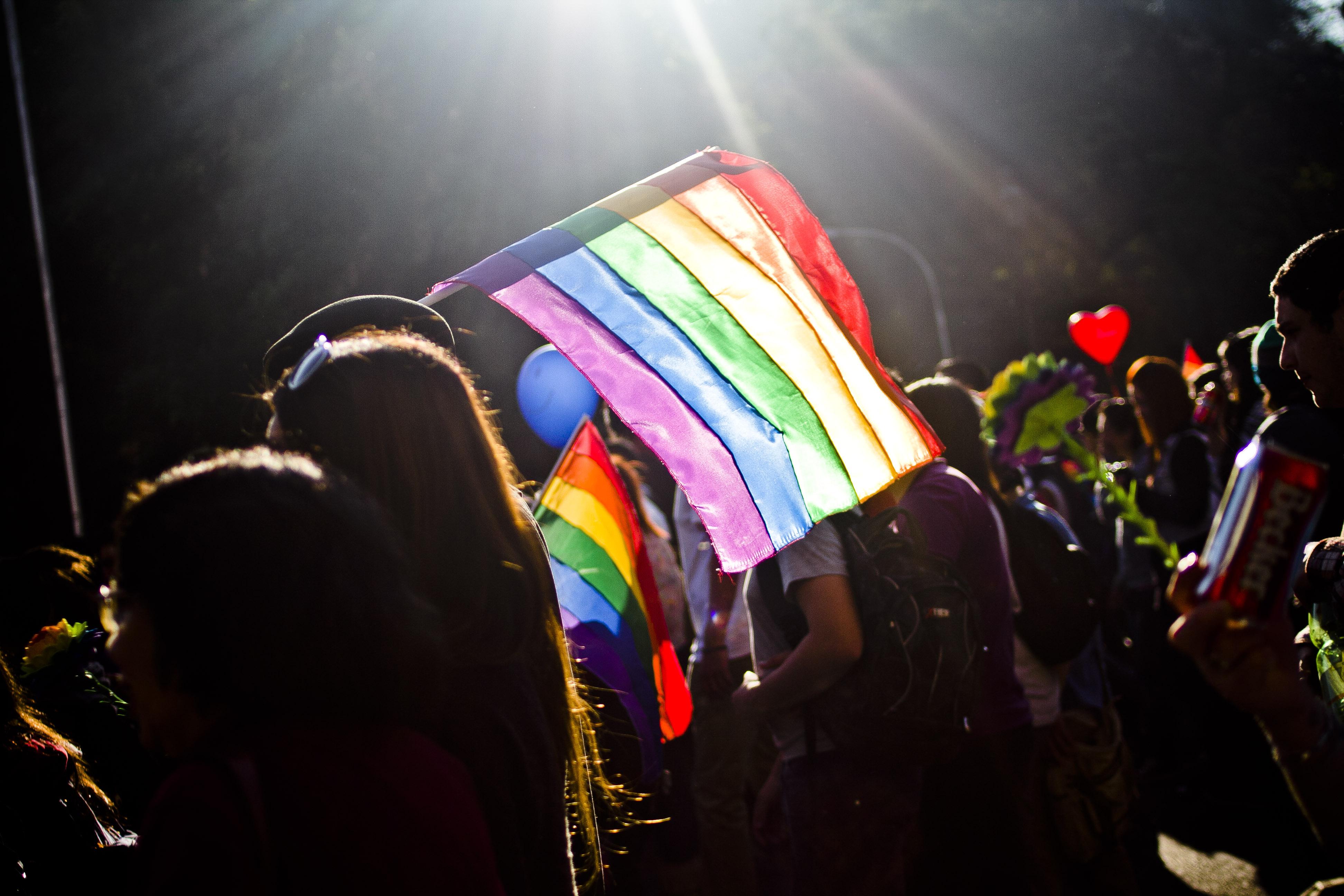 Periodista chileno habla por primera vez sobre su homosexualidad a través de televisión abierta