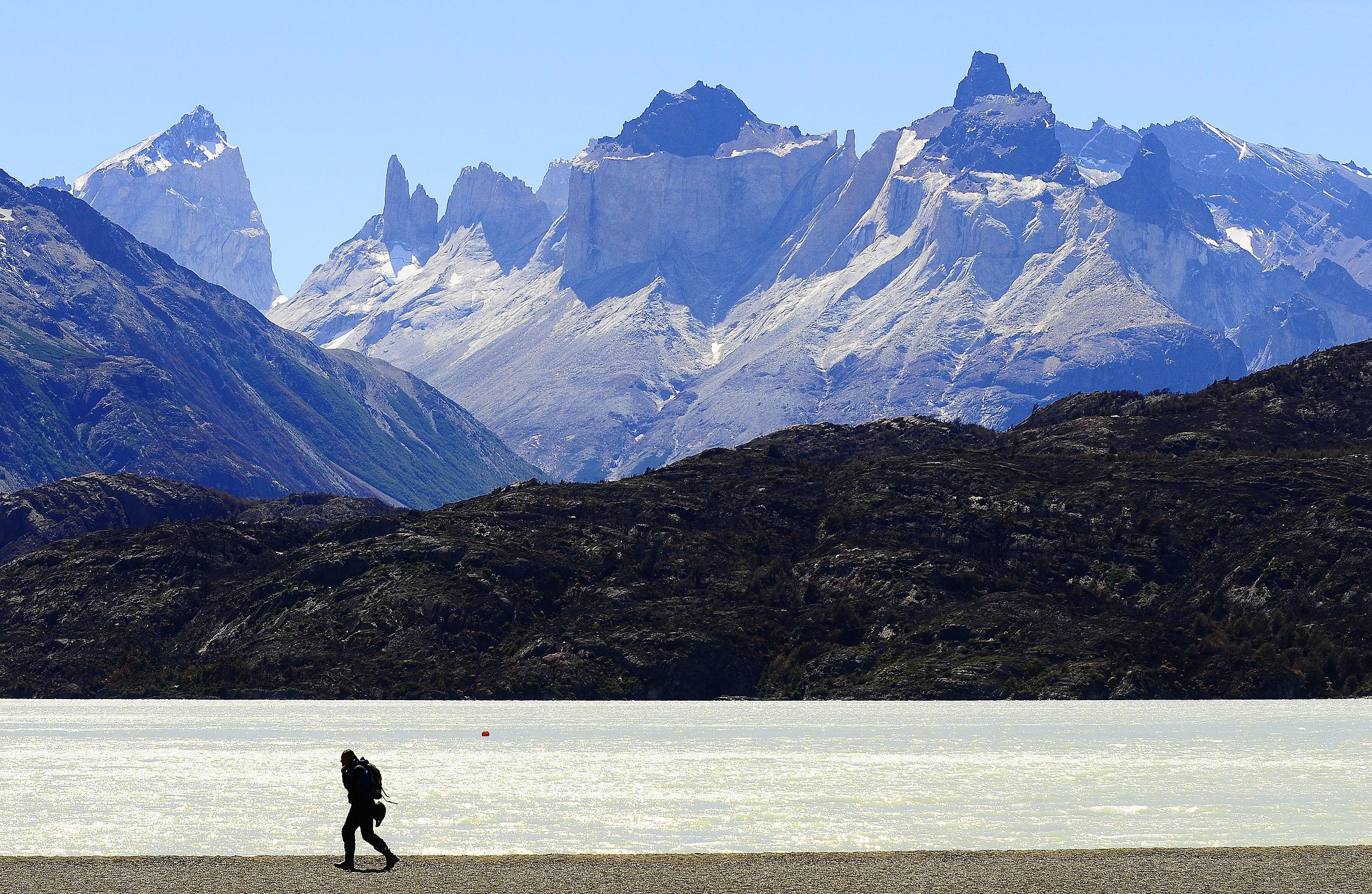 Expulsan a tres turistas del parque Torres del Paine por hacer fuego en lugar no autorizado