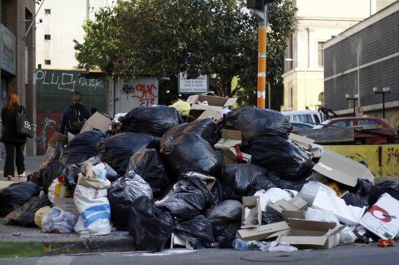 Acumulación de basura en Santiago Centro