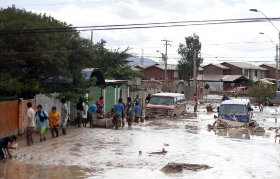 PAIPOTE: Aluvión  provoca considerables daños en Copiapo