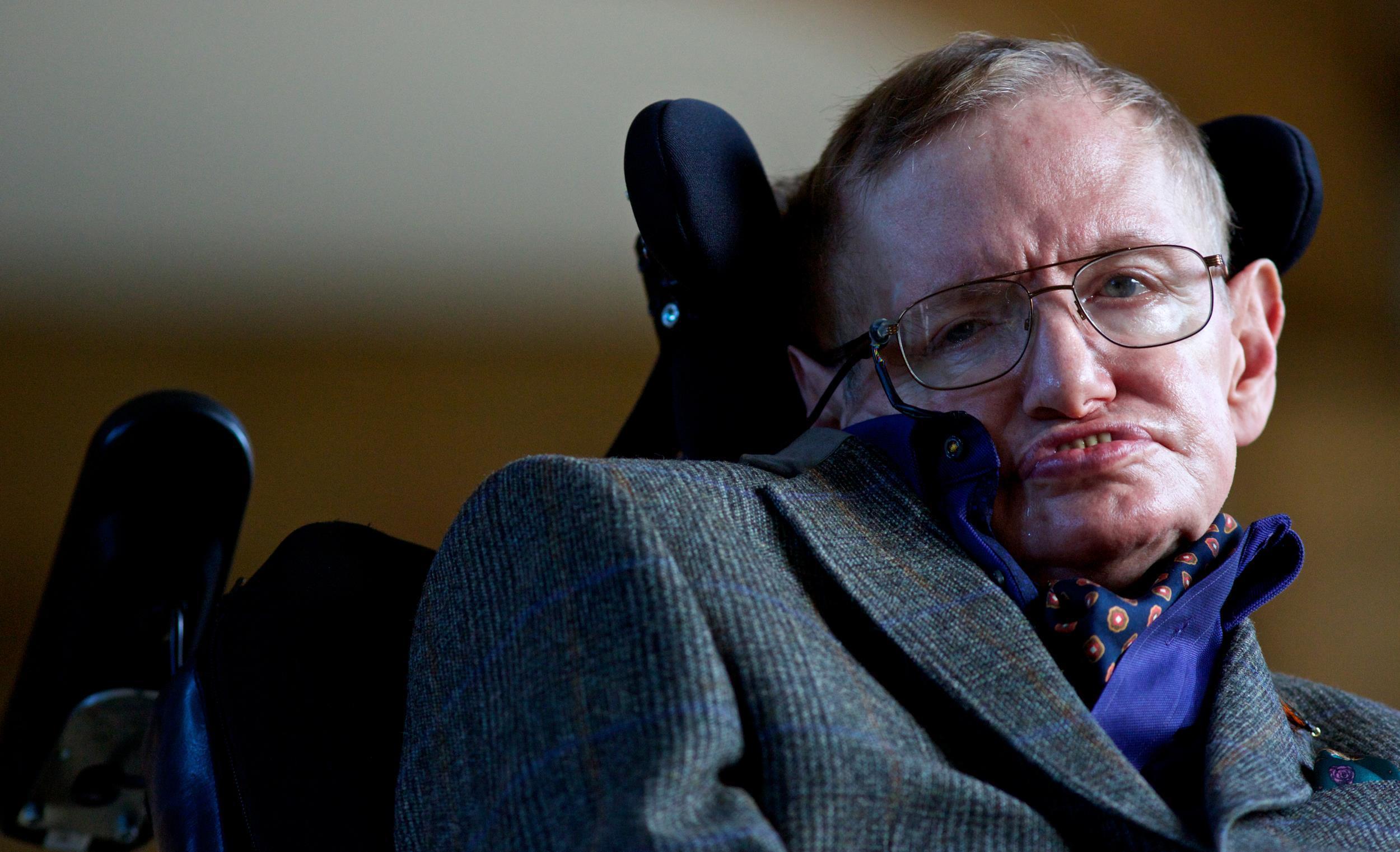 Cuánto tiempo nos queda de vida en el planeta Tierra, según Stephen Hawking