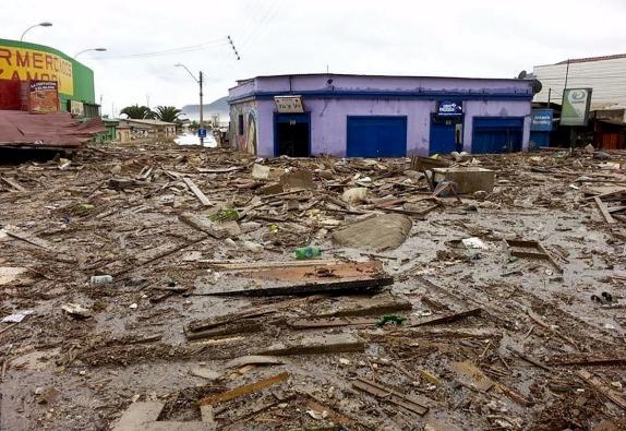 CHAÑARAL: Aluvión en Chañaral por crecida del rio Salado
