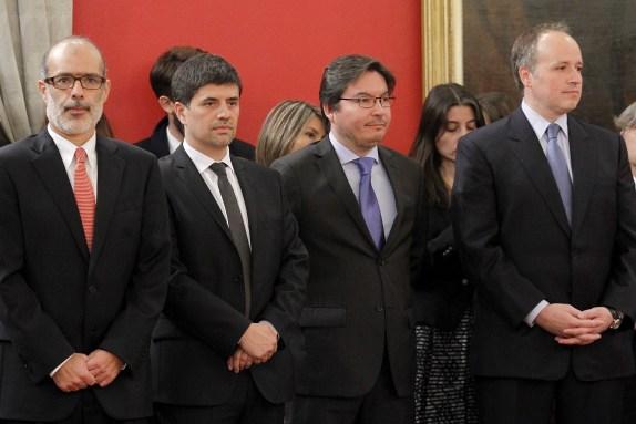 Presidenta michelle bachelet nombra a jorge burgos como for Nuevo ministro de interior y justicia