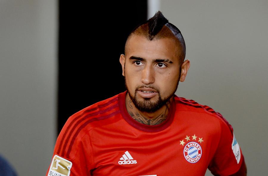 VIDEO | La divertida pelea a combos entre Vidal y un compañero de equipo en la práctica del Bayern Munich