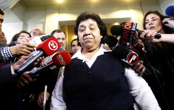 Nelly Diaz sale del Ministerio de Justicia