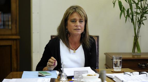 Presidenta de la Comision de DDHH Senado