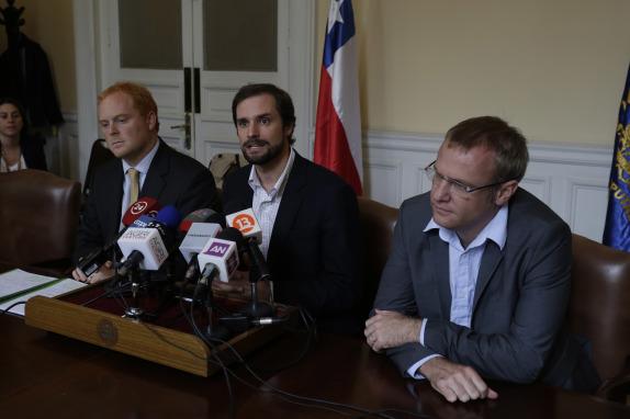 Diputados se refieren a requerimiento presentado ante Tribunal Constitucional