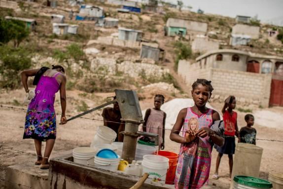 Pozo de agua comunitario en Haití