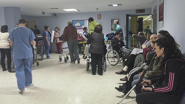 pacientes-sanidad-publica-sevilla--644x362