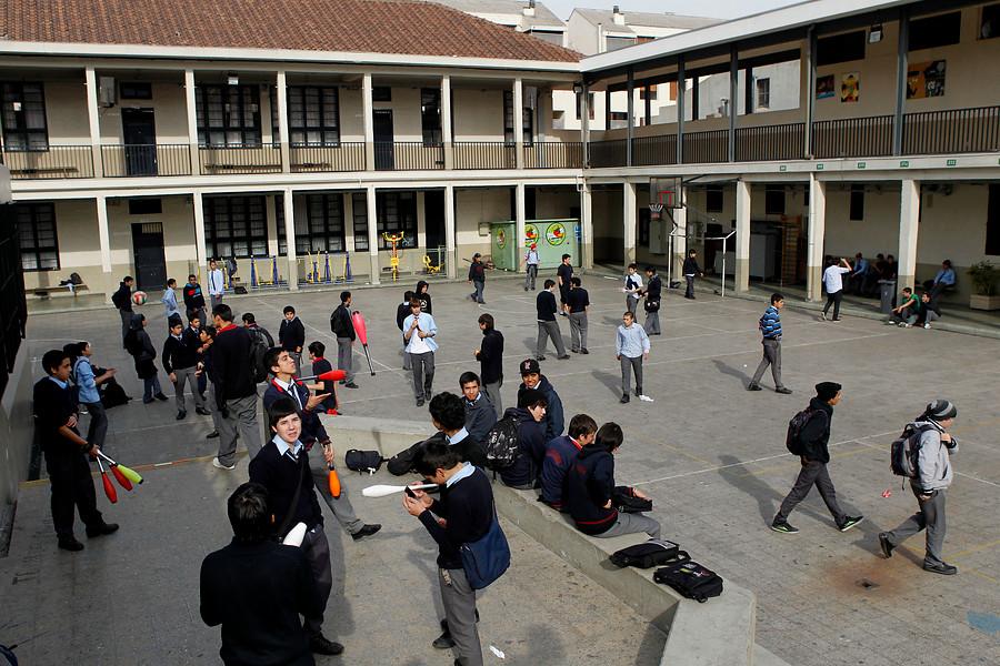 Directores de colegios califican con un 3.7 la calidad de la educación en Chile