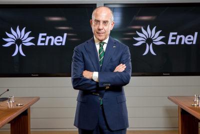 """Principal ejecutivo de Enel revela secreto para cambiar una empresa: """"Inspirar miedo"""" y castigar a opositores"""