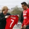 Presidenta despide a selecci—n Chilena de fœtbol antes de partir al Mundial de Brasil 2014.