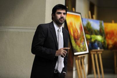 Joaquín Lavín Jr. apoya el matrimonio igualitario y la adopción de parte de familias homoparentales