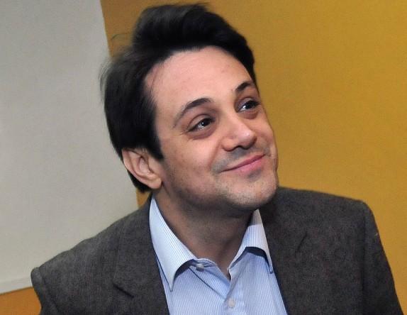 ¡Problemas! Tribunal ordena detención de Gaspar Rivas