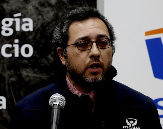 El Fiscal Claudio Orellana junto al director del SML,Patricio Bustos,realizaron una conferencia de prensa