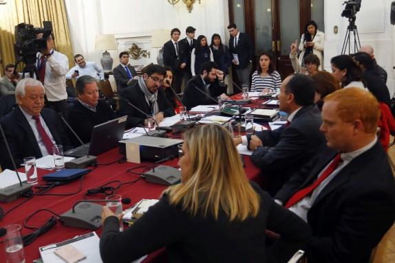 CONES entrega carta a la DIputada Camila Vallejo