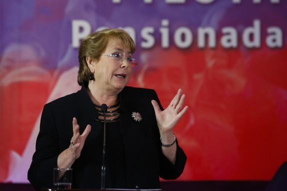 Michelle Bachelet lanza dio inicio al pago de aguinaldo Fiestas Patrias 2016
