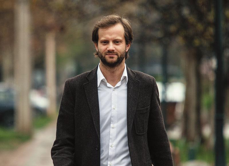 Axel Kaiser pidió privatizar el Sename: le recordaron que el 95% ya está privatizado
