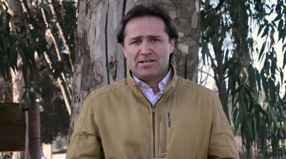 El fallecido alcalde, video cortesía del sitio de la municipalidad de Río Claro