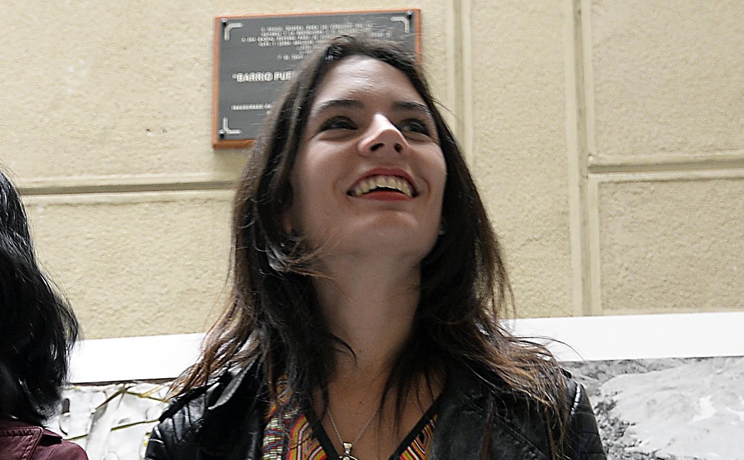 Camila Vallejo se sumó al #FeministaConBigotes tras comentada entrevista de Cathy Barriga