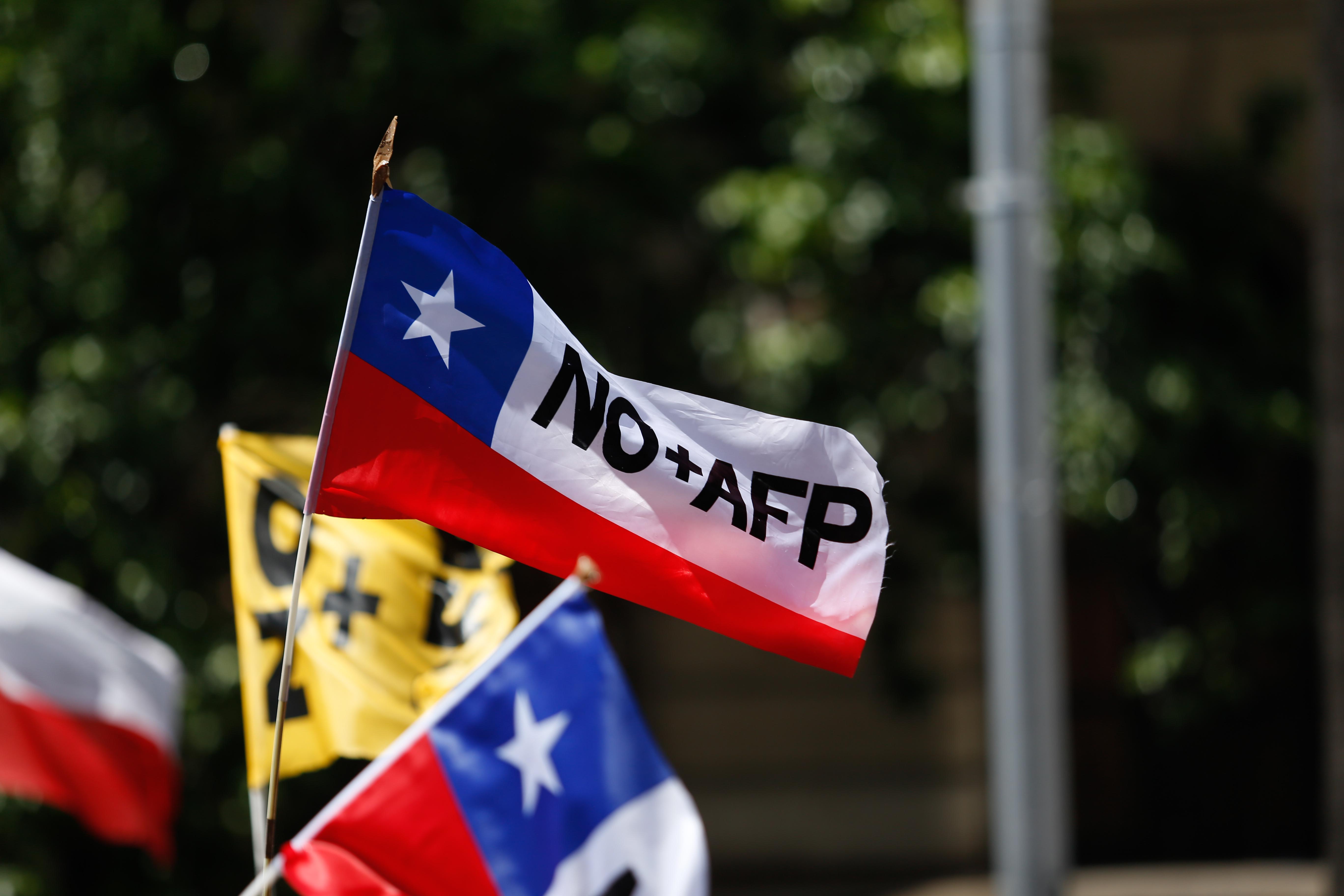 Propuesta de NO+AFP para nuevo sistema de pensiones promete piso de $277 mil