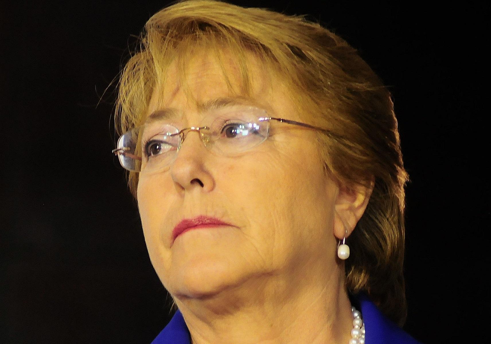"""Michelle Bachelet lamenta muerte de Fidel Castro: """"Un líder por la dignidad"""""""