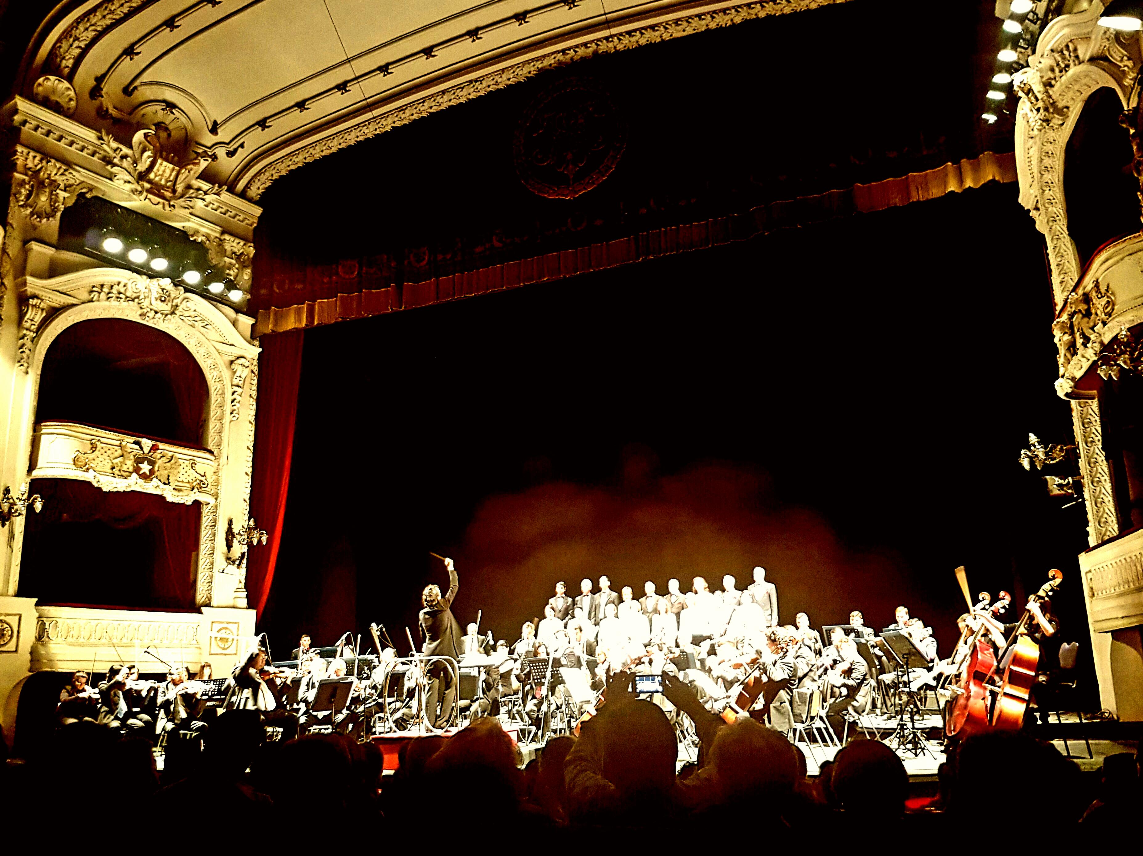 Masivo concierto de la Orquesta de Cámara de Chile reveló obras inéditas de Vicente Bianchi
