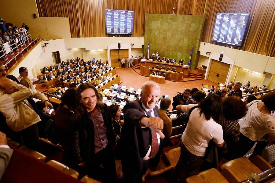 """La propuesta de Amplitud: """"Es fundamental buscar un mecanismo permanente de reajuste al sector público"""""""