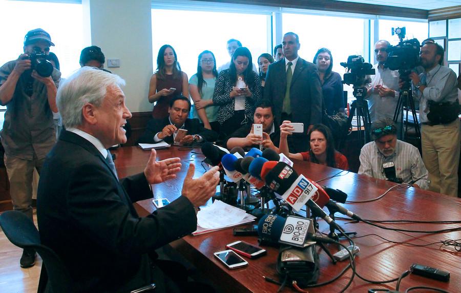 """La derecha sale en masa a apoyar a Piñera y acusa """"campaña sucia"""" de la Nueva Mayoría"""