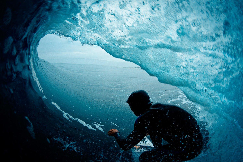 Cristian Merello, el surfer chileno que deslumbró con gigante actuación en el Challenge de Hawaii