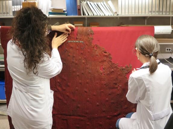 tunica-foto4-san-juan-argentina-instituto-de-investigaciones-arqueologicas-y-museo-profesor-mariano-gambier-registro-pieza-1600-periodo-1-200-a-1-400-d-c