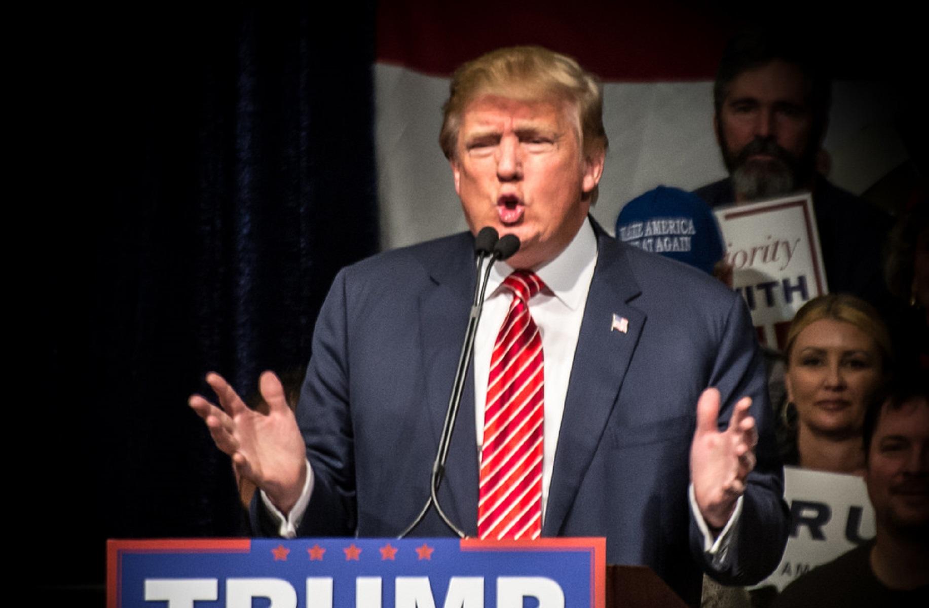 El día que Donald Trump apoyó el voto popular, que hoy le habría arrebatado la presidencia de EE.UU.