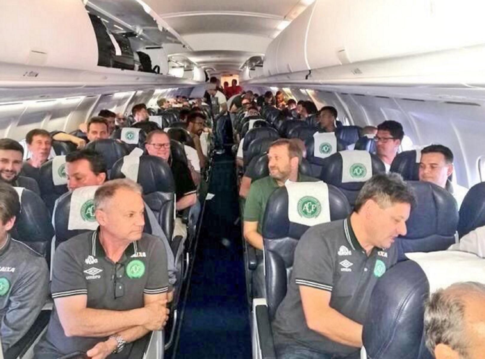 Accidente aéreo del Chapecoense enluta al mundo del fútbol: 76 fallecidos