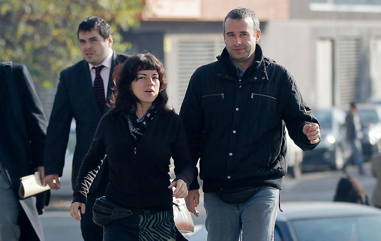 Justicia en España rebaja a cuatro años pena de chilenos condenados por colocación de bomba