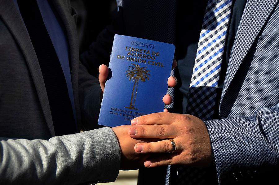 Cámara de Diputados aprueba dar cinco días libres a parejas que contraigan el Acuerdo de Unión Civil