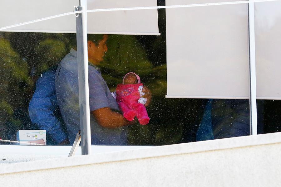 Corte Suprema acogió recurso de Lorenza Cayuhan por ser obligada a dar a luz engrillada