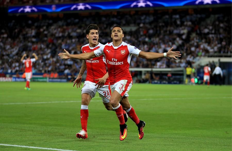 VIDEO | Genio y figura: este golazo de Alexis Sánchez fue elegido el mejor del 2016 por Arsenal