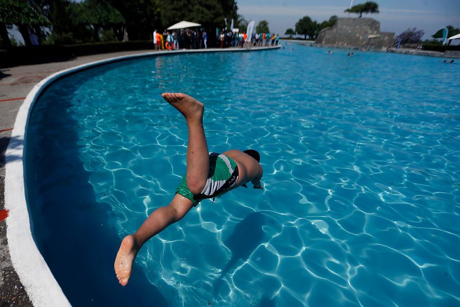 La mentira del administrador del edificio para justificar discriminación a hija de nana en piscina