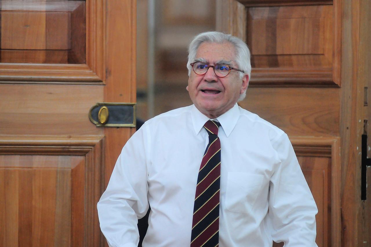Adimark: ministro del Interior aparece con fuerte aumento de 8 puntos en su aprobación