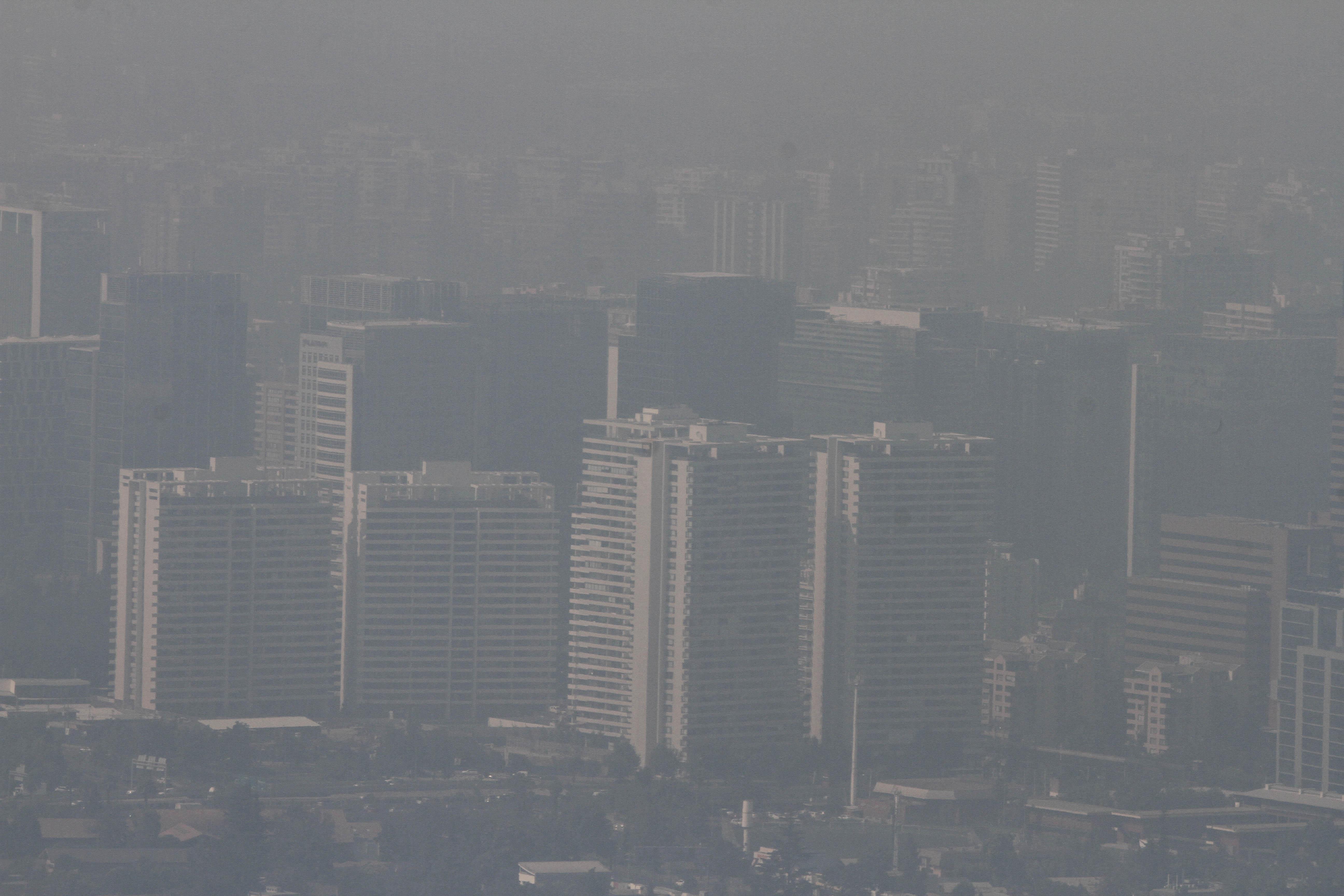 FOTOS | Santiago tapado en smog: así amaneció la capital cubierta de humo