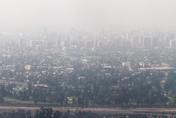 15 de Diciembre del 2016/SANTIAGO Fotografias  de Santiago Cubierto por el Humo, producto de los Incendios Forestales aledaños a la Capital. FOTO: RODRIGO SAENZ/AGENCIAUNO